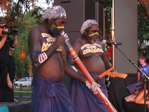 Maminawuy Dhamarrandji (yidaki) and Djangirrawuy Garawirrtja (voice, bilma) of the Gupapuyngu Dancers sing Birrkili Manikay for the National Aboriginal and Torres Strait Islanders Art Awards, 12 August 2005, Darwin