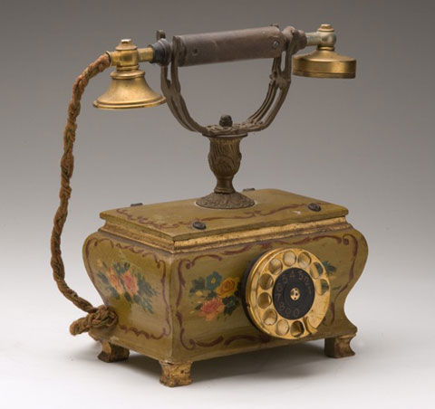 Telephone that came to the museum from Souvannaphouma House, the residence of the former Prime Minister, Mr Souvannaphouma. Photo: Mrs Phonesamai Vilayvah.