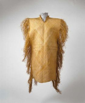 Poncho-like garment made from plantain leaf fibres woven together like matting with a fringed edge.