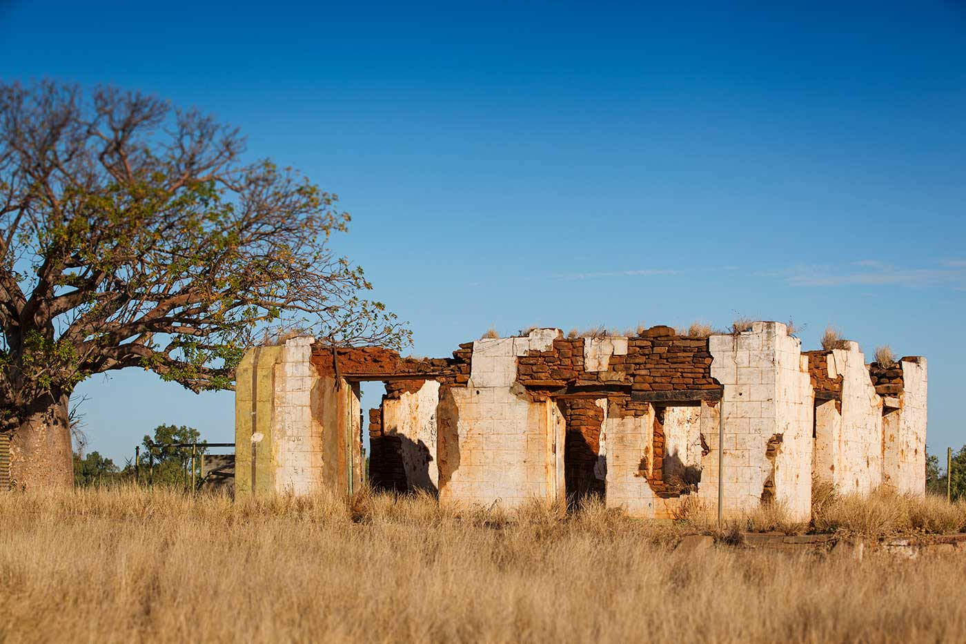 A stone building, in disrepair - click to view larger image