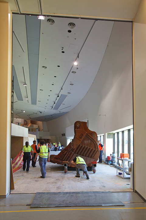 The bucket being moved slowly to its final position in the Landmarks gallery.