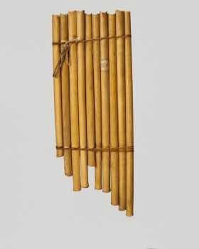 Panpipes made of bamboo and consists of ten single pipes varied in length bound together with two wrappings of coconut fibre.