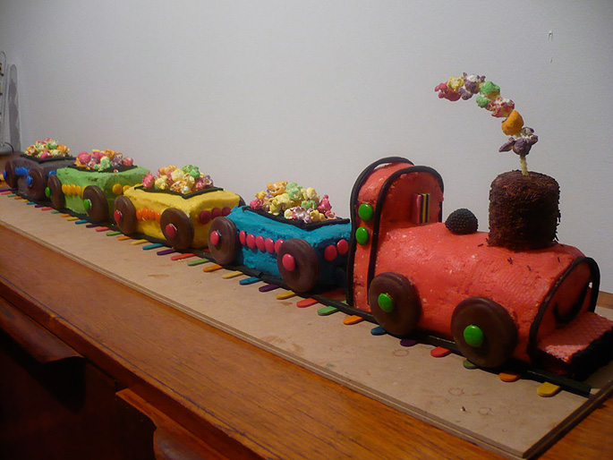 cake in the form of a train