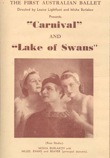 The program's cover is dominated by a photo of three performers. A man is at the centre and a woman is leaning on each of his shoulders