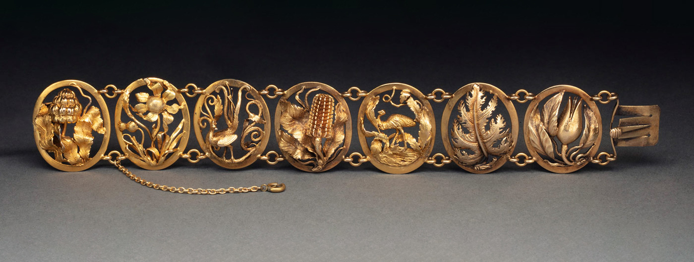 Gold openwork bracelet. - click to view larger image