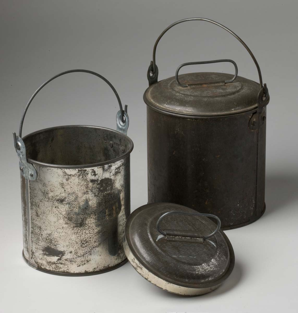 Three billy cans with lids. - click to view larger image