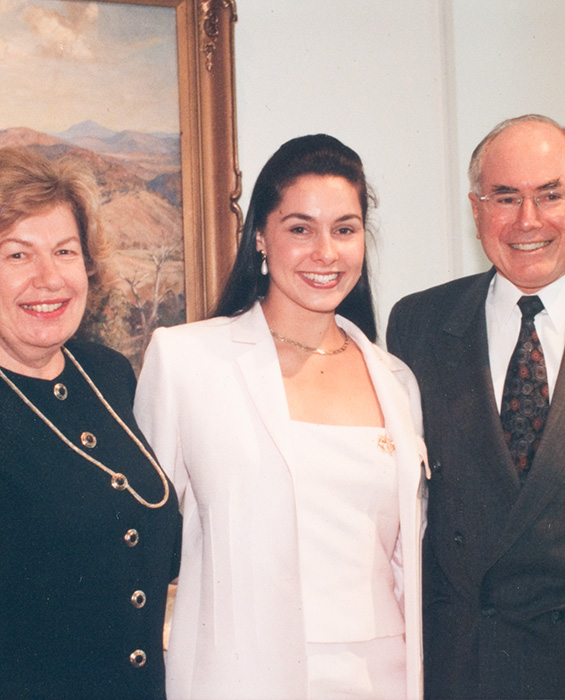 Miss Australia 1999, Kathryn Hay in the centre with Senator Margaret Reid on the left and Prime Minister John Howard at Parliament House, Canberra - click to view larger image