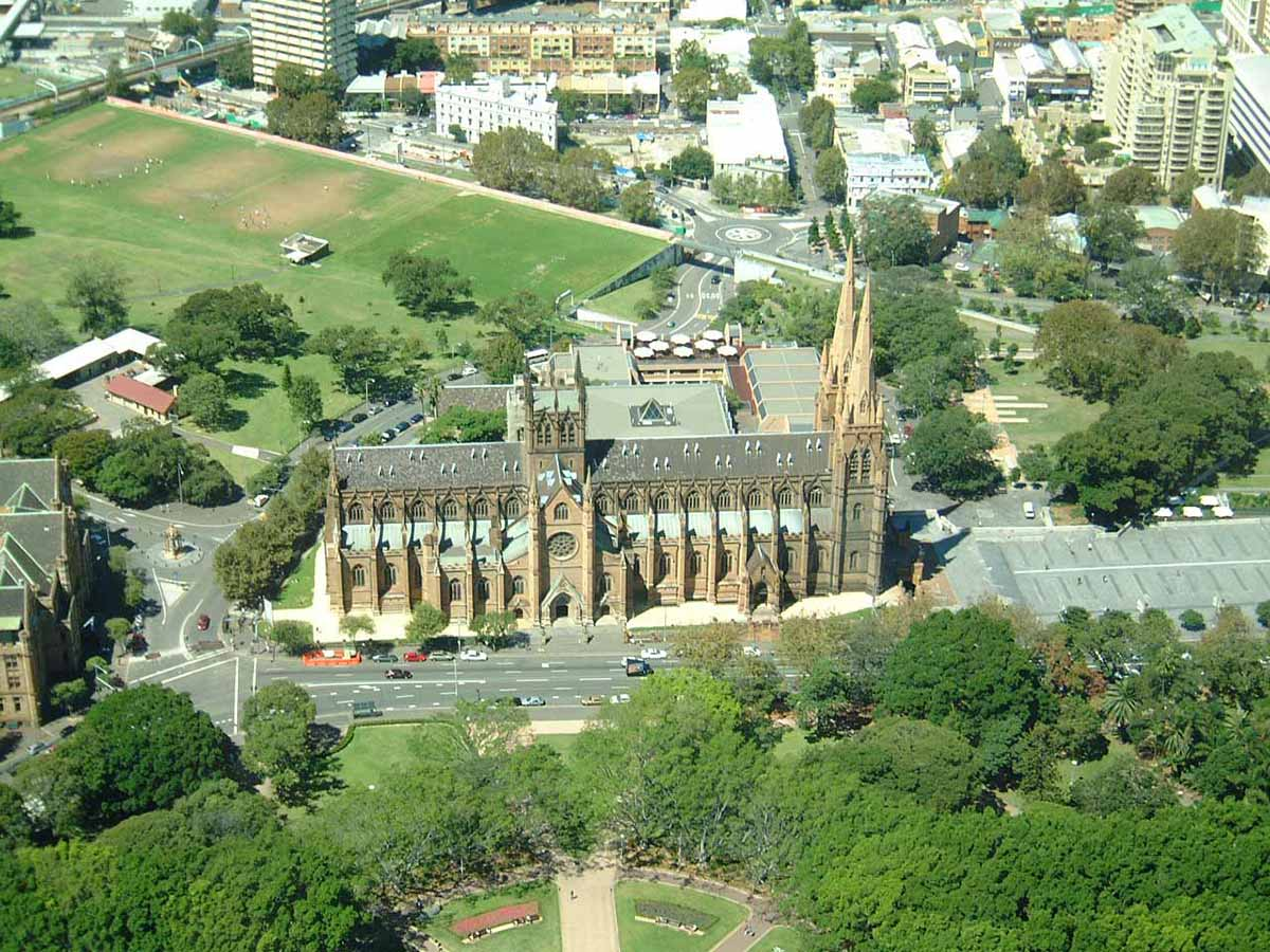Photo of St Mary's cathedral, Sydney.