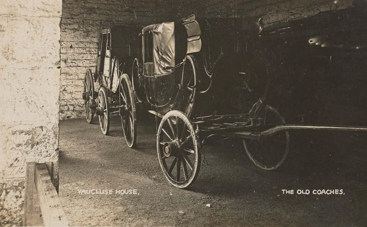 Postcard depicting the Ranken landau coach at Vaucluse House.