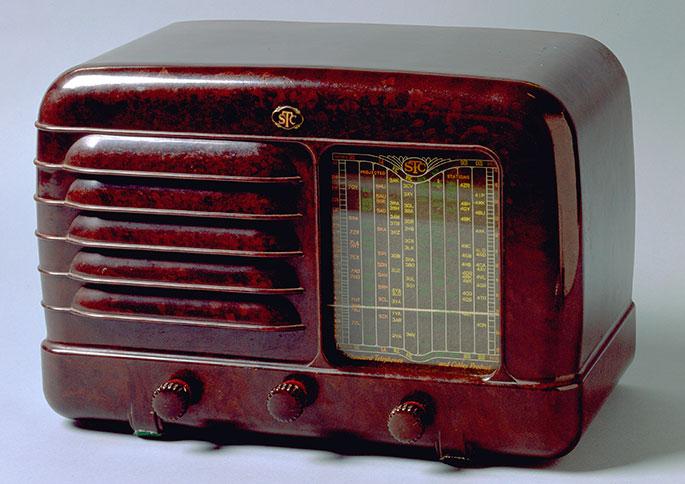 a mantel radio