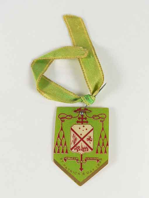 Commemorative badge featuring text: ST PATRICK'S DAY 1935 - click to view larger image