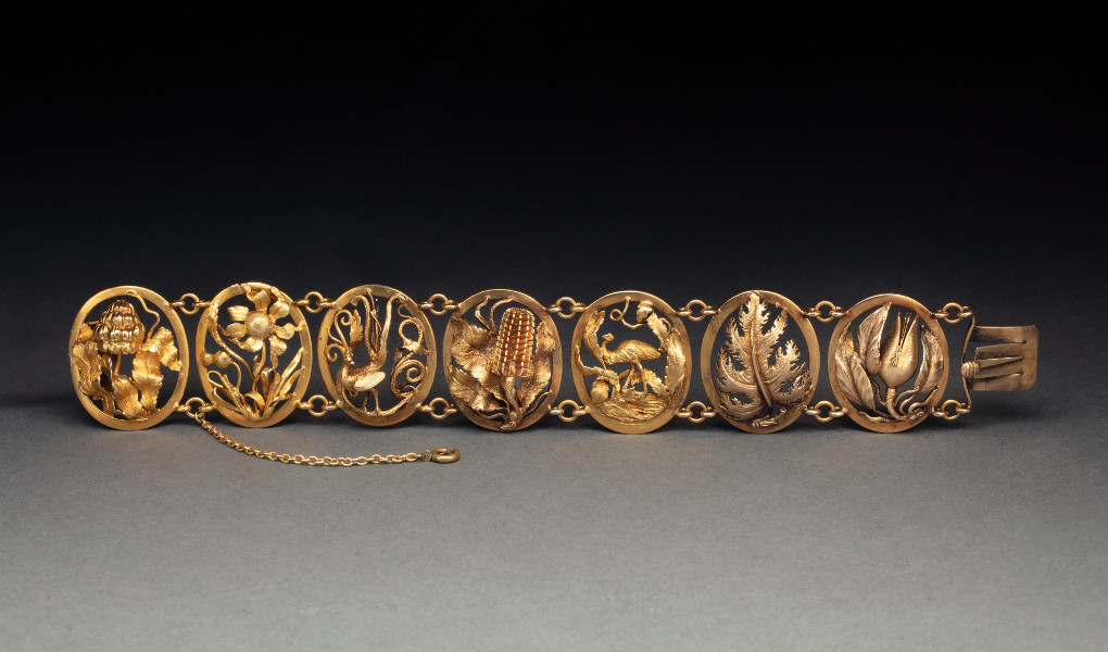 Gold openwork bracelet - click to view larger image