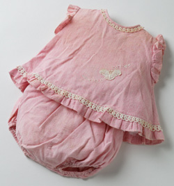 Small pink baby's top with matching pants