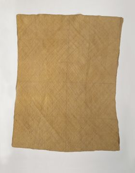 piece of very fine matting made of light brown plantain leaf fibres.