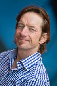 Portrait of Jono Lineen.