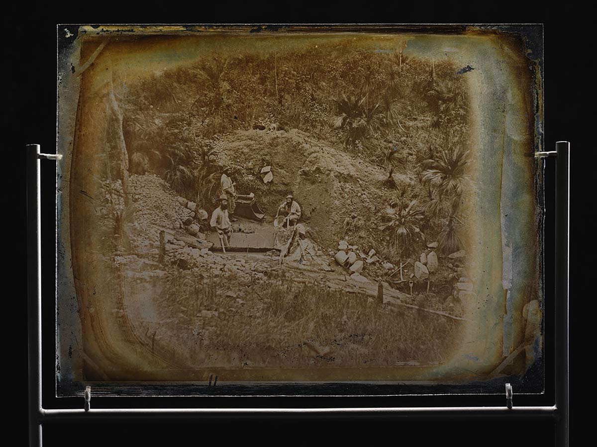 Glass plate showing three men in a gÍ - click to view larger image