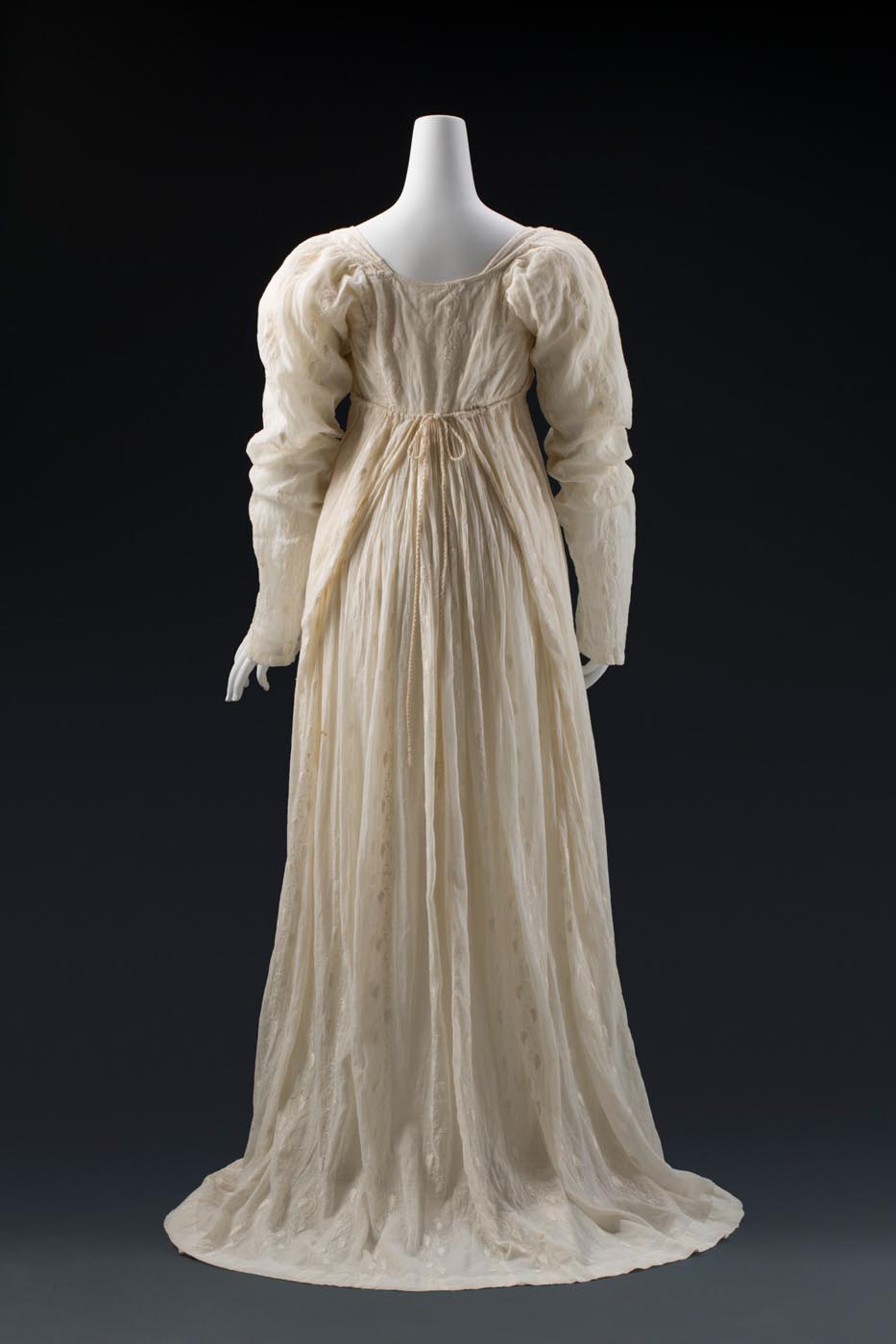 Rear view of Ann Deane's dress, with bodice tie wrapping at the back. - click to view larger image