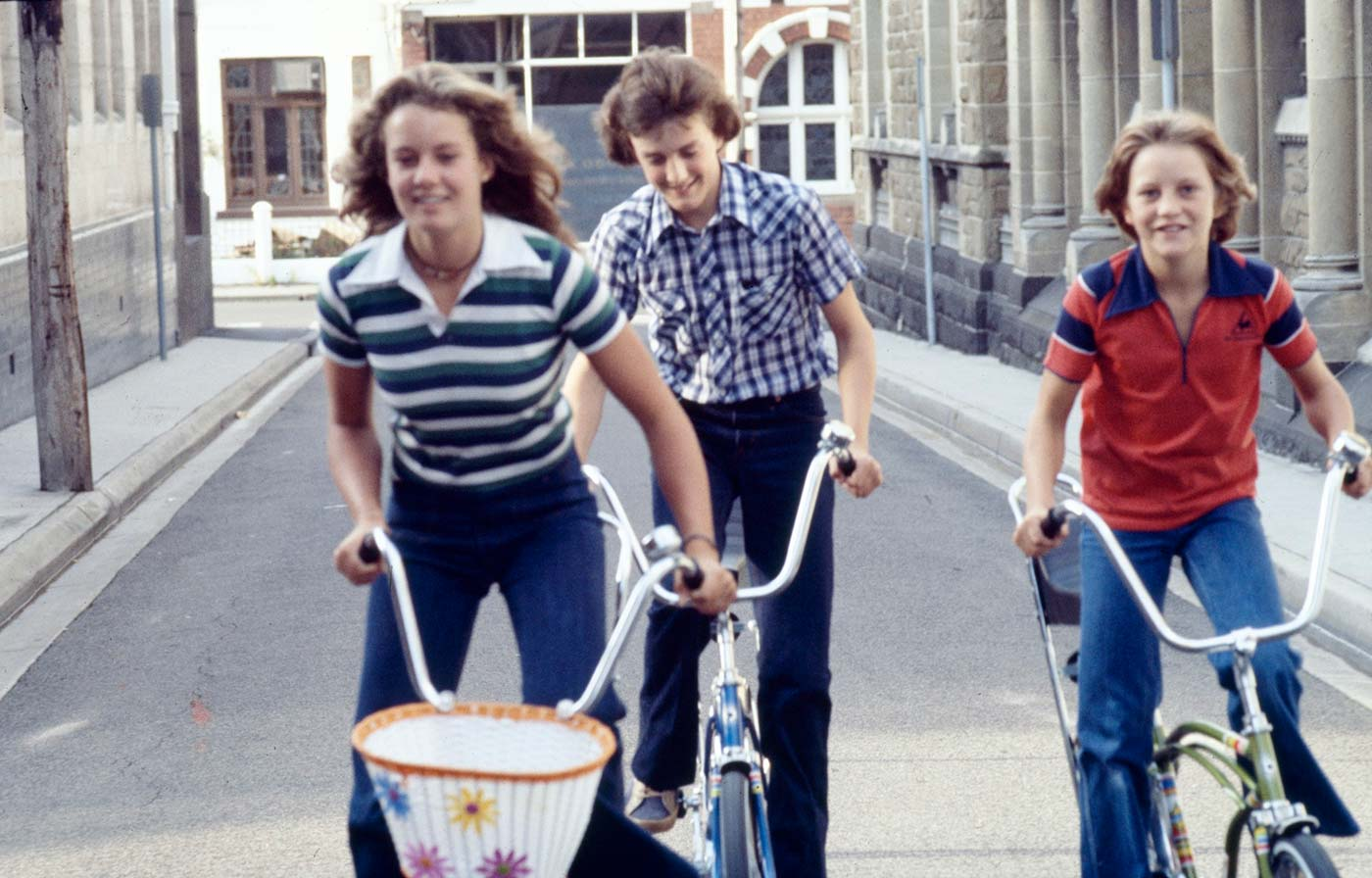 Children on bicycles in Melbourne, about 1980. - click to view larger image