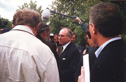 Ken Colbung talking with John Howard at an Anzac Day service in Battersea Park, London, 1997