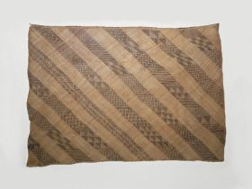 Mat features alternating light brown and unpatterned, and dark brown patterned diagonals.