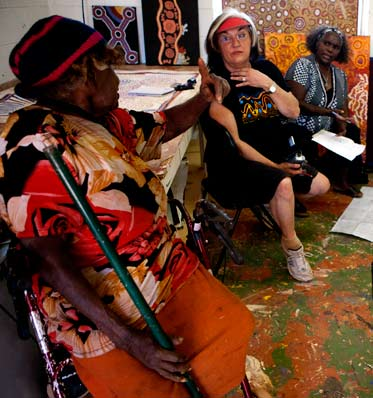 Talking Seven Sisters sites at Tjarlirli Art Centre, Tjukurla (Western Australia) (Left to right) Tjawina Porter, Margo Neale and Lizzie Ellis