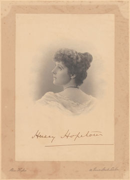 Portrait photograph of Hersey Hopetoun