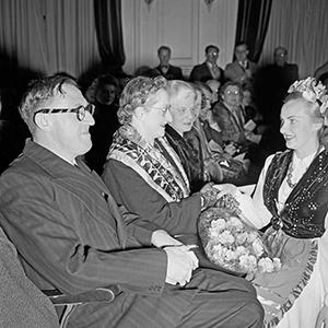 1945: Australian Government announces post-war immigration drive