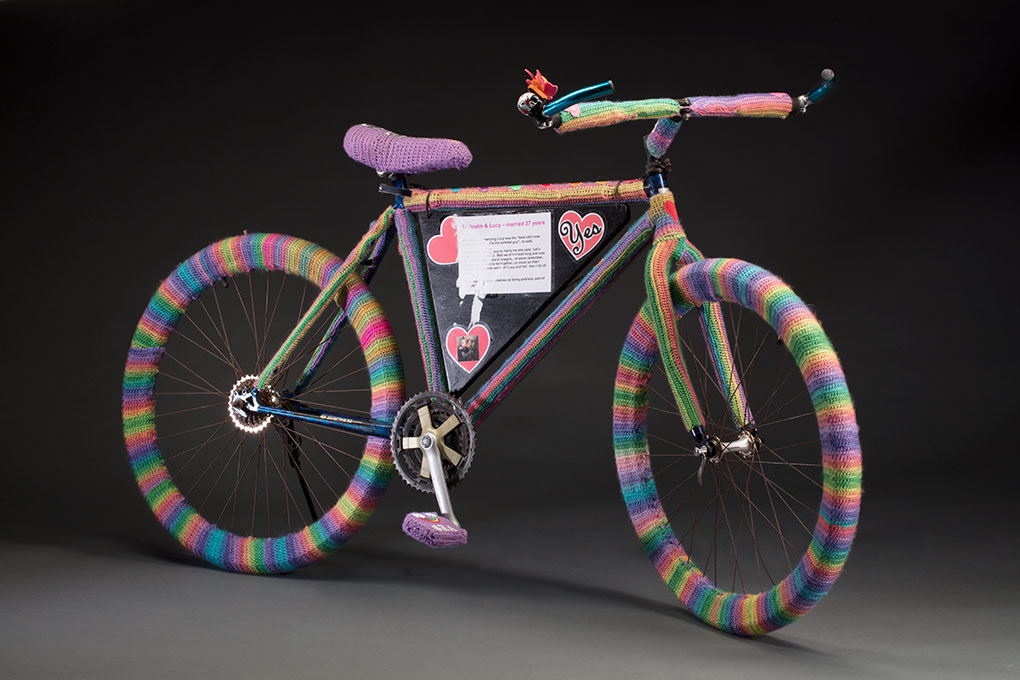Bicycle with rainbow crochet feature
