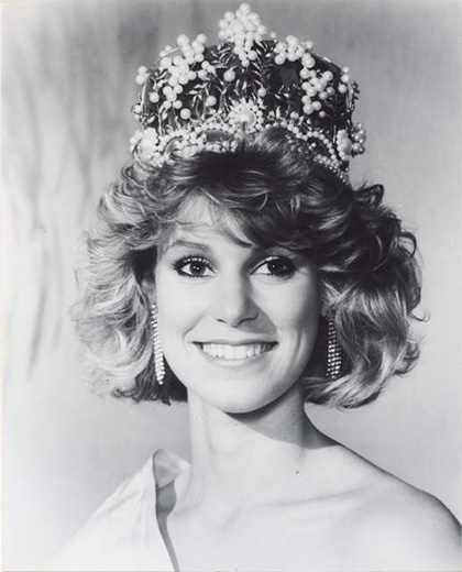 Miss Australia 1986, Tracey Pearson wearing the Miss Australia crown - click to view larger image