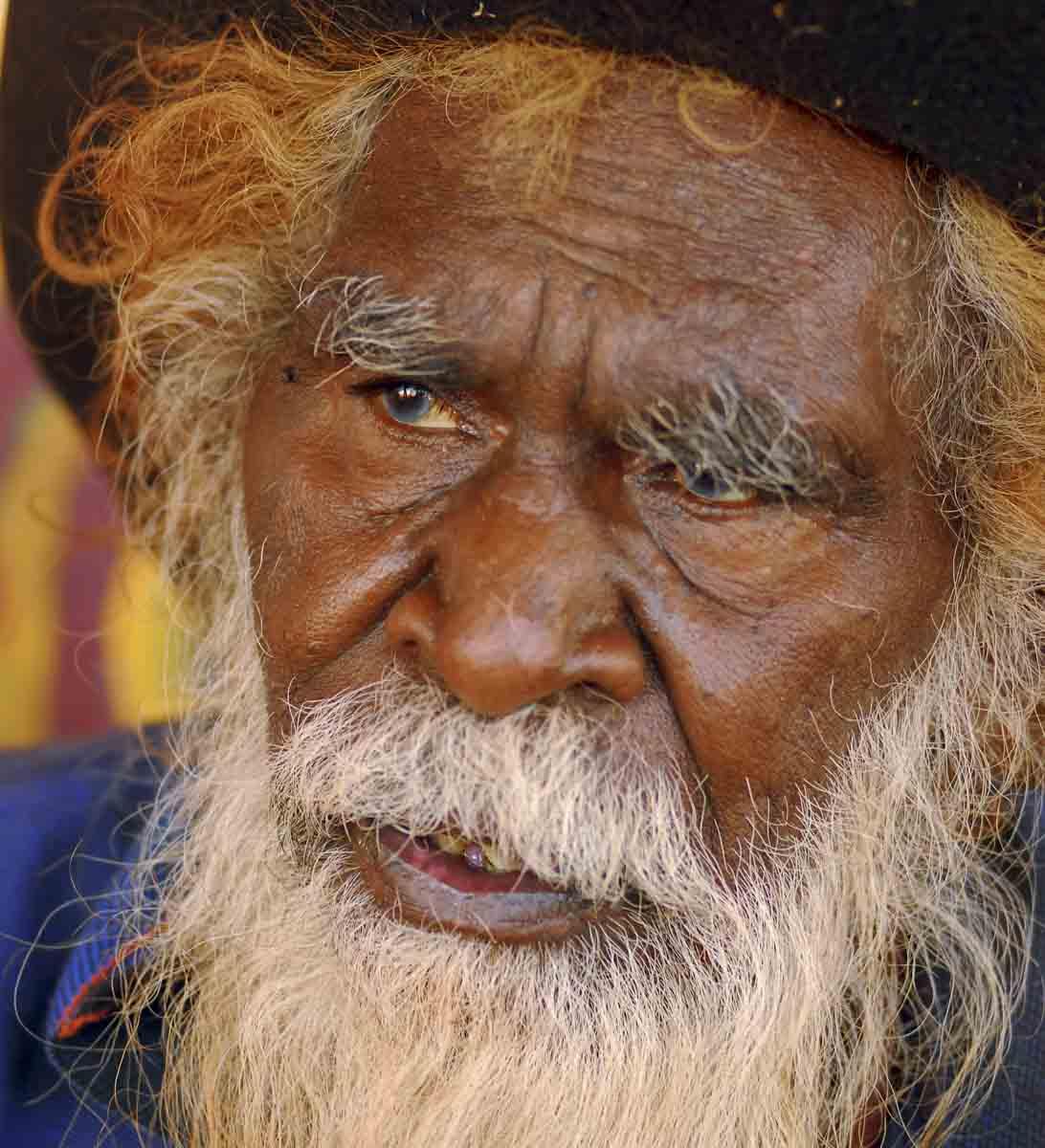 Potrait of Kamara Brandy Tjungurrayi. - click to view larger image