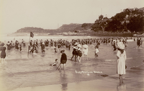 Swimmers at Manly Beach, 1900-1910