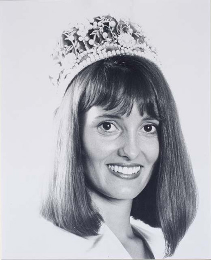 Miss Australia 1987, Judith Green wearing the Miss Australia crown - click to view larger image