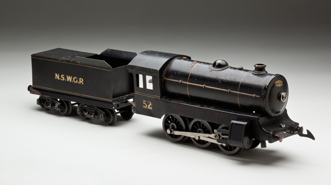 New South Wales Railways '52 series' clockwork electric locomotive with tender, made from steel by Ron Titchener and associates