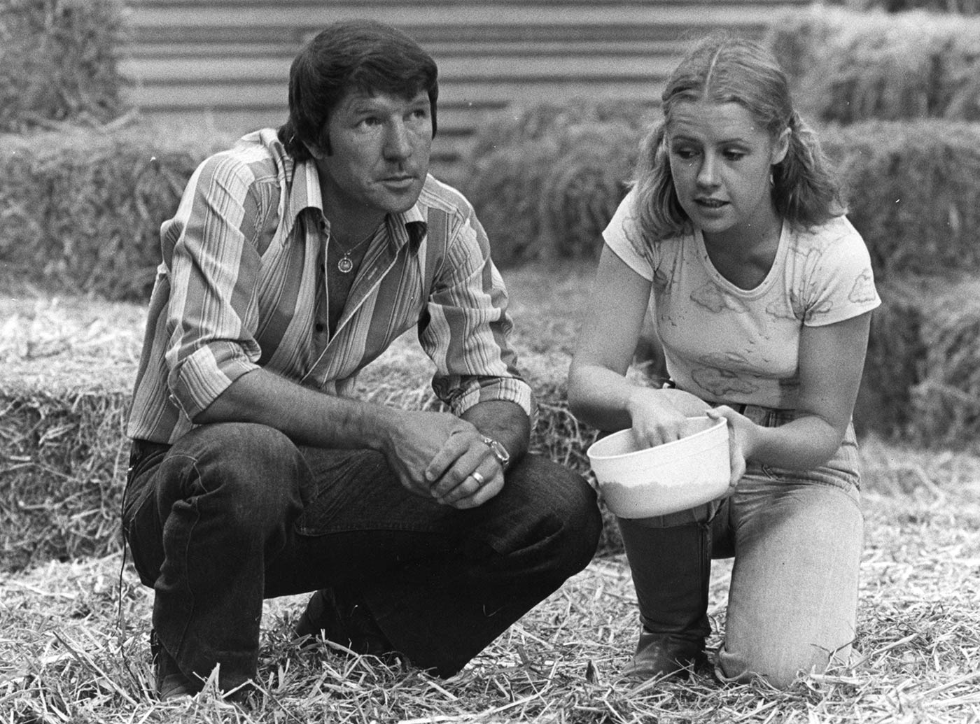 Don Spencer and Noni Hazlehurst - click to view larger image