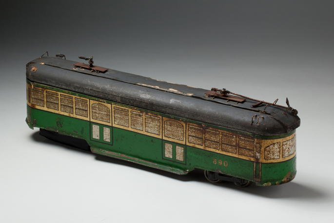 Melbourne W class tramcar, made from tinplate by an unknown manufacturer, distributed by Meadmore Model Engineering Co.