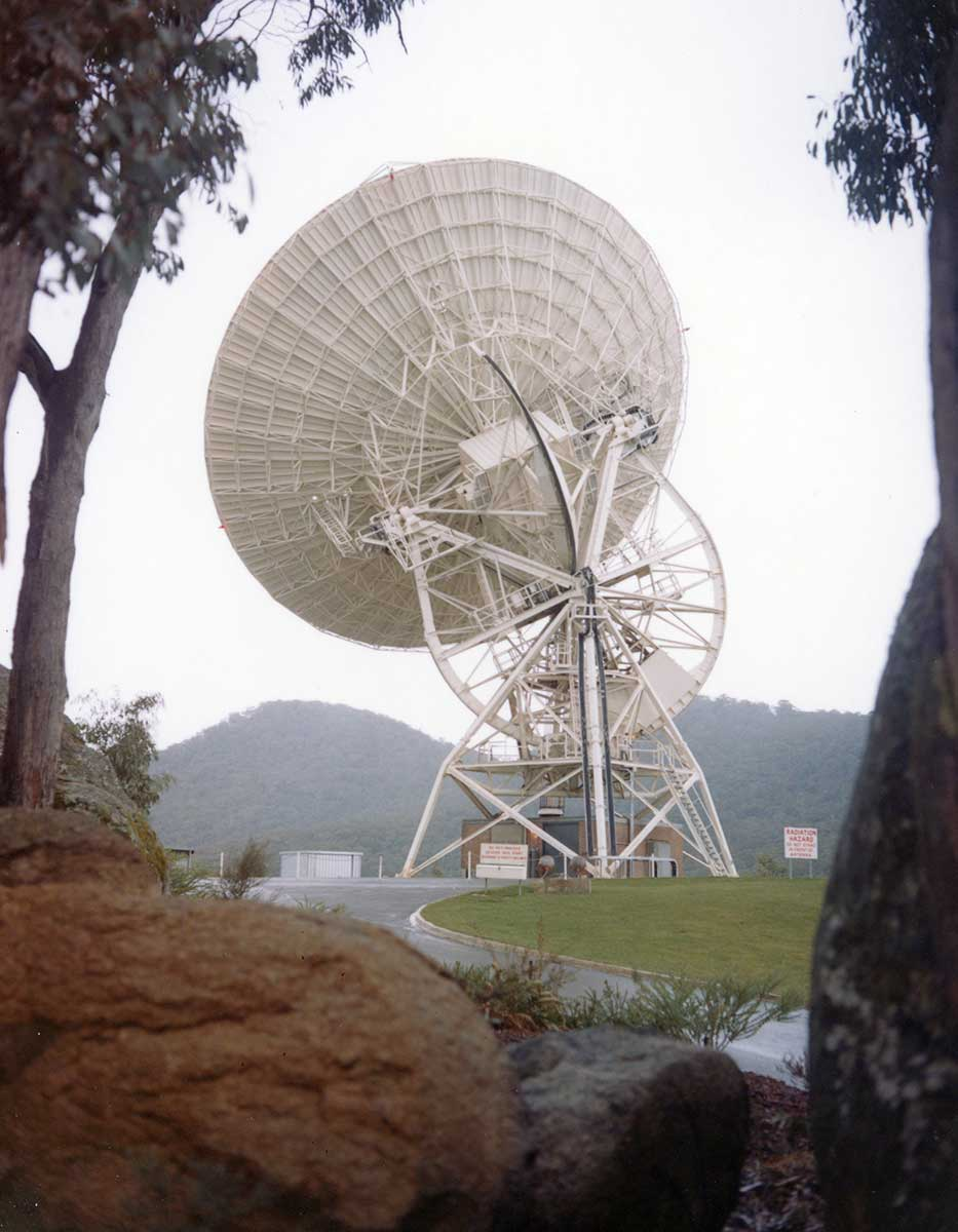 Honeysuckle Creek's tracking dish. - click to view larger image