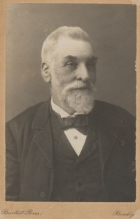 Photographic portrait of Bendigo Pottery founder George Duncan Guthrie, about 1890.