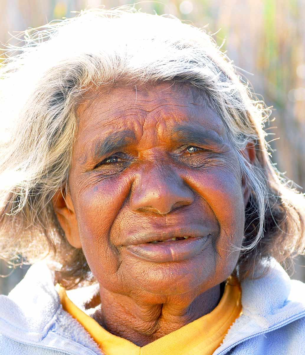 Portrait of Yikartu Bumba. - click to view larger image