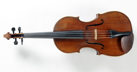 Front view of a viola.