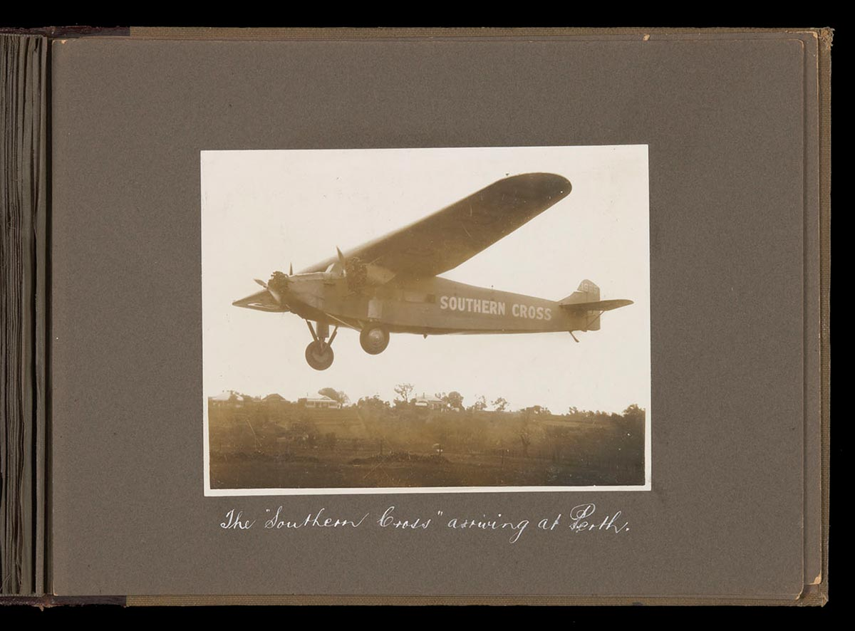 The 'Southern Cross' coming in to land at Perth. - click to view larger image